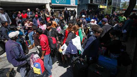 """Inmigrantes venezolanos regresan a su país desde Ecuador en """"puente aéreo"""" de Nicolás Maduro"""