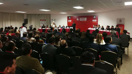 Candidatos al gobierno regional participan del debate electoral