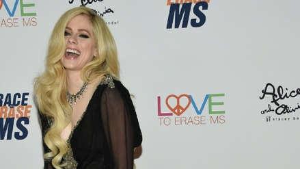 """Avril Lavigne habla sobre su enfermedad en una carta a sus fans: """"Acepté la muerte"""""""