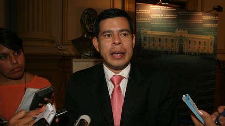 Luis Galarreta arremetió contra Peruanos por el Kambio tras declaraciones de José Cavassa