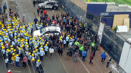 Policía confirmó dos detenidos tras enfrentamiento entre barristas y miembros de iglesia cristiana