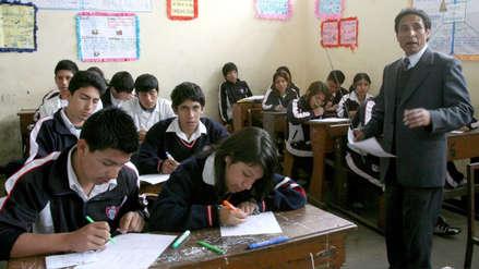 Ministro de Educación: No es viable subir sueldo base a maestros por falta de recursos