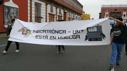 Estudiantes de mecatrónica de UNT denuncian desatención de autoridades
