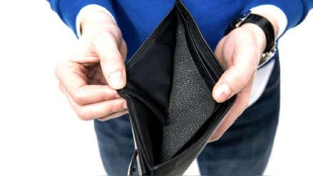 ¿Tu sueldo llega a fin de mes? Cuatro de cada diez peruanos gastan más de lo que ganan