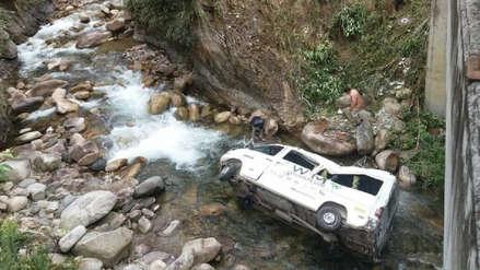 Turistas nacionales y extranjeros heridos tras accidente vehicular en Cusco