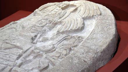 """Altar encontrado en Guatemala muestra el """"Juego de Tronos"""" de la Cultura Maya"""
