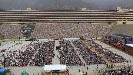 Universitario: campo del Monumental recibió evento de iglesia cristiana