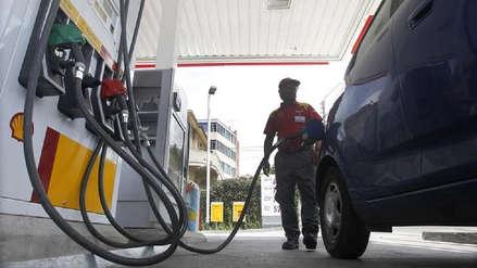 Precios de combustibles de referencia internacional suben, según Opecu