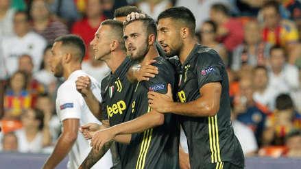 Juventus con Cristiano Ronaldo expulsado ganó 2-0 a Valencia en la Champions League
