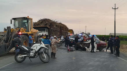 Chofer murió en choque de auto con tractor en Laredo