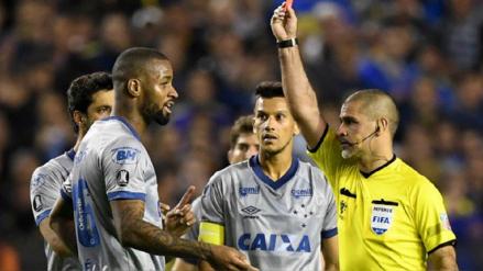 VAR decidió la expulsión de Dedé ante Boca Juniors