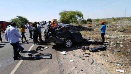 Piura: Cinco muertos en un choque entre un auto y un bus en Bayovar