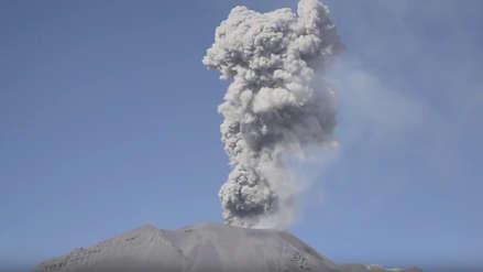 Drones captaron por primera vez imágenes del cráter del volcán Sabancaya