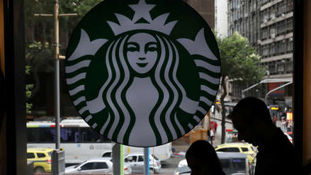 Starbucks planea reestructuración global y anuncia algunos despidos