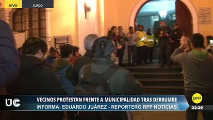 Vecinos protestan ante la Municipalidad de Surco tras derrumbe junto a condominios