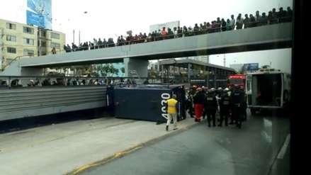 Camión de caudales se despistó en la vía expresa Paseo de la República