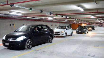 Congreso aprobó ley para modificar cobros en estacionamientos, ¿qué cambió?