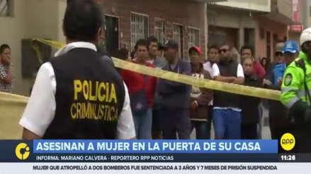 Una mujer fue asesinada a balazos en la puerta de su casa en San Martín de Porres