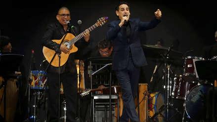 Juan Diego Flórez conquistó Chile con concierto gratuito a ritmo de