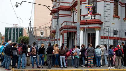 Decenas de venezolanos retornan a su país en quinto vuelo desde Lima