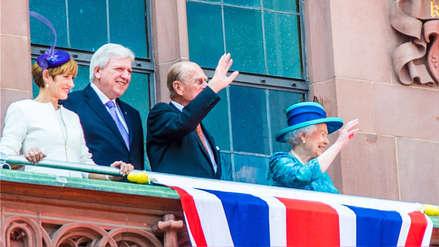 La historia del misterioso brazo artificial de la reina Isabel II ha sido revelada por su hija