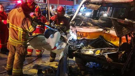Al menos diez heridos dejó el choque entre un bus y una combi en Surco