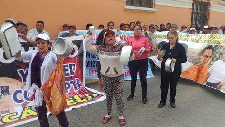 Tumán   Trabajadores protestan con ollas vacías por pagos atrasados