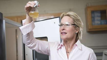 Científicos logran acelerar en semanas la evolución de moléculas para sintetizar medicamentos