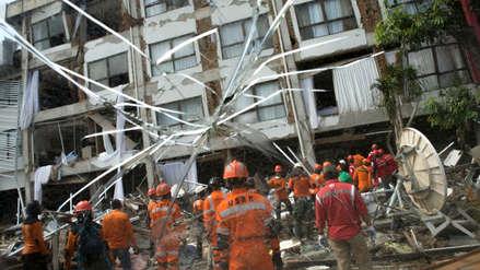Asciende a 1,424 cifra de fallecidos por sismo y tsunami en Indonesia