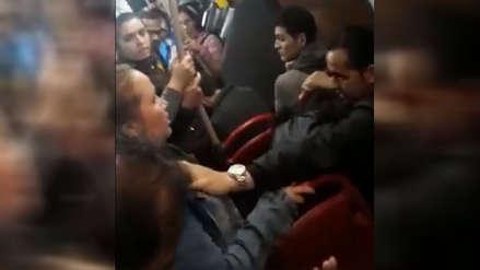 Mujer armó escándalo en un bus de Colombia al encontrar a su pareja con una amante