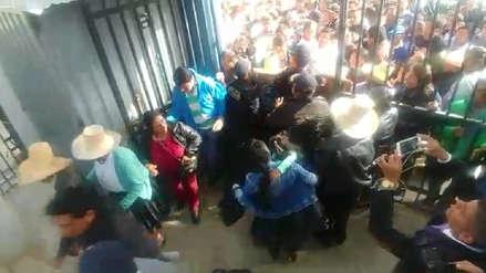 Desde cédulas marcadas hasta candidatos abucheados: Así se vive la jornada electoral en Perú