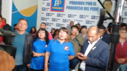 La reacción en el local de campaña de Urresti tras el boca de urna que dio el triunfo a Muñoz en Lima