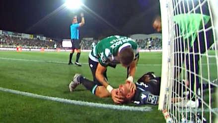 Sebastián Coates le salvó la vida a arquero de su equipo en pleno partido