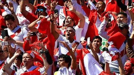 Hinchas peruanos sorprenden a la Selección con banderazo en Miami