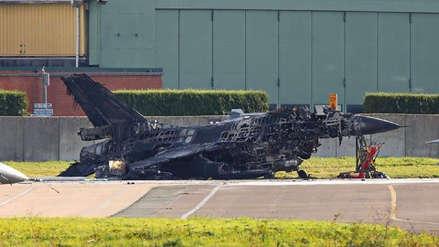 Un técnico destruyó un caza F-16 al activar un cañón por accidente