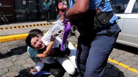 Policía de Nicaragua arresta a 26 manifestantes para impedir nueva protesta contra Ortega