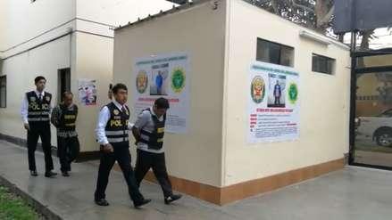 Detienen a dos hombres acusados de extorsionar a empresario en Trujillo