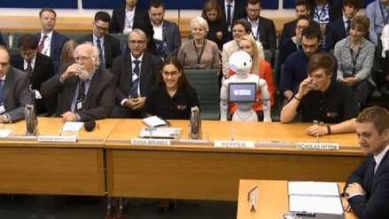 Un robot habló por primera vez frente al parlamento británico