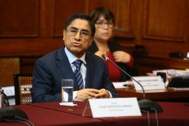 César Hinostroza salió del país con presunta complicidad de inspectora de Migraciones