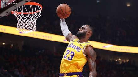 LeBron James debutó con los Lakers: repasa los mejores momentos del partido ante Trail Blazers