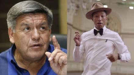Cesar Acuña y Pharrell Williams 'se unen' en divertido remix de su frase viral sobre la felicidad