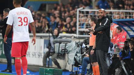 Thierry Henry debutó como entrenador de Mónaco cayendo con el Estrasburgo