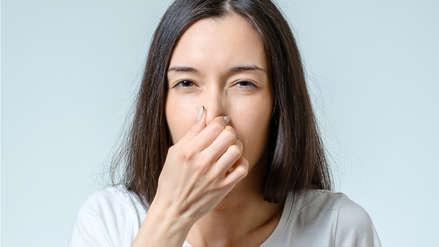 Fantosmia, el problema psicológico que te hace pensar que todo huele mal