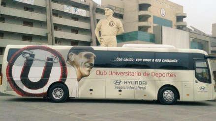 Universitario vs. Sport Rosario: bus 'crema' llegó con las justas al Estadio Monumental