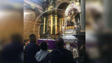 Paolo Guerrero acudió a ver al Señor de los Milagros en Las Nazarenas