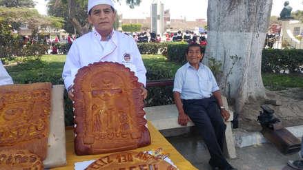 Panaderos de Monsefú elaboran pan gigante con la imagen del Señor de los Milagros