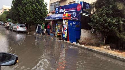 Al menos 18 muertos y 35 heridos por inundaciones en el oeste de Jordania