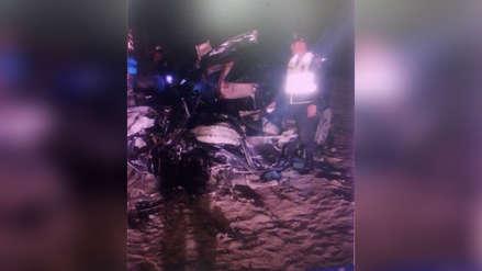 Choque vehicular deja un muerto y tres venezolanos heridos en Virú