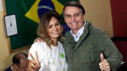 Perfil | Michelle Bolsonaro, la discreta y religiosa primera dama brasileña