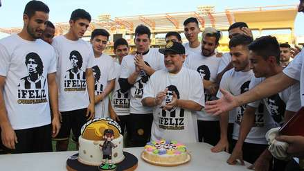 Diego Armando Maradona: Dorados le celebró su cumpleaños que terminó con ¡torta en la cara!